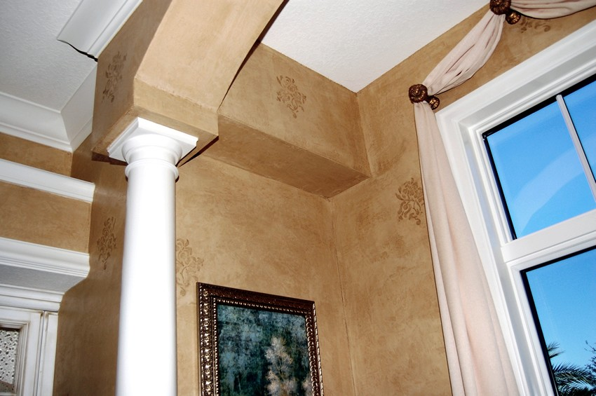 Venetian Italian plaster with stencil relief